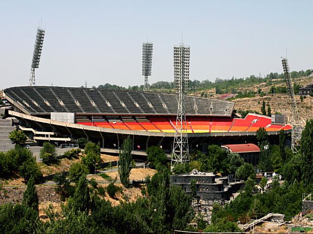 Стадион Храздан
